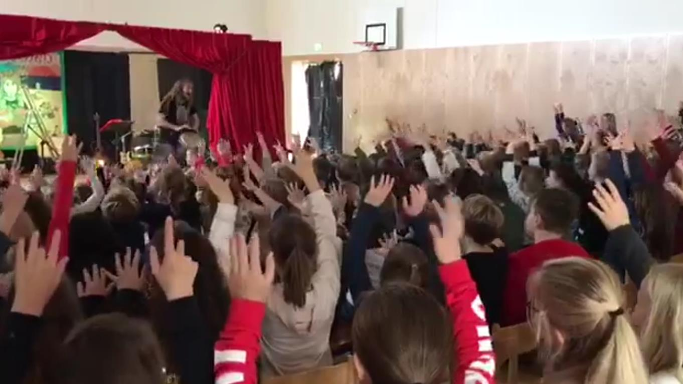screenshot Kindervoorstelling Tijl Damen in Sint Jansteen